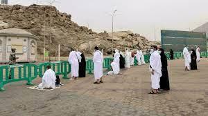 الحجاج على صعيد عرفات لتأدية الركن الأعظم من الحج الثاني في زمن كورونا