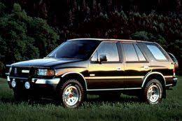 My Third Car Was A Black 1995 Isuzu Rodeo 4wd It Actually Drove Pretty Well For A Truck Based Suv And I Kept It About 8 5 Years After We Sold Rodeo Auto Blue