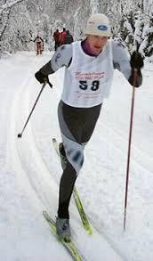 Как подобрать лыжи Спортивная Линия При подборе гоночных лыж для классического хода требуется особая тщательность поскольку от этого зависит насколько комфортно Вы сможете ездить на выбранной