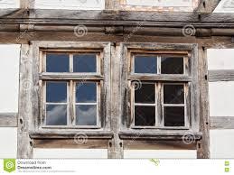 Zwei Fenster In Einem Fachwerk Haus Stockbild Bild Von Frontseite