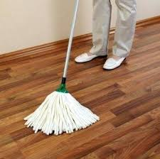 best d mop laminate floors someone mopping hardwood floors best wet mop for laminate floors
