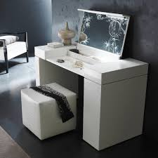 Small Vanities For Bedrooms Makeup Bedroom Vanity