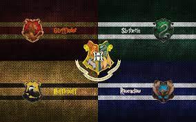 Harry Potter: Hogwarts Houses ...
