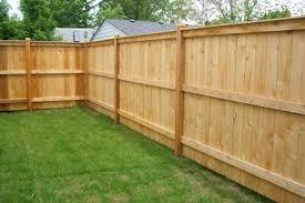 fence construction. cedar wood fence construction r