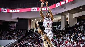 Person eclipses 2,000-point career mark in Troy win over ULM | Troy  University Sports | dothaneagle.com