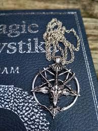 řetízek S Pentagramem A ďáblem