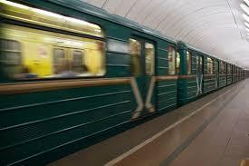 Bakı metrosunda rüsvayçılıq: Gənc qızdan qeyri-adi hərəkətlər- VİDEO