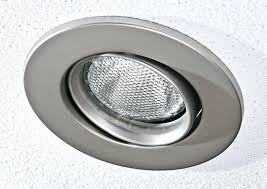 how to change recessed light bulb halogen how to replace halogen recessed lighting bulbs halogen light