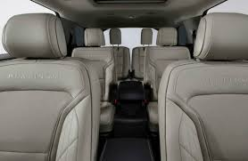 does ford edge have 3rd row seating 1