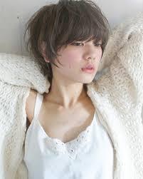 直毛女子に似合う髪型はこれショートヘアからロングまで直毛の人に