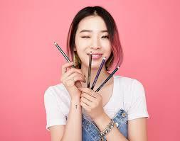di insramnya irene sering memperlihatkan a makeup natural ala korea yang memang sedang dii oleh perempuan manapun