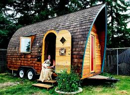 tiny house on wheels plans for the artistic design, unique and comfortable,  a very