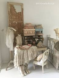 French Country Shic Shabbychicbedrooms Brocante In 2019 Shabby