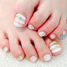 足の爪 ネイル シンプル
