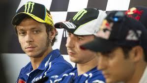 A tenere banco nella conferenza stampa della MotoGP che apre il weekend di Aragon, oltre alla presenza di due ragazze, le spagnole Maria Herrera e Ana ... - rossi_aragon