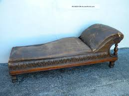Vintage fainting couch 1800s Antique Fainting Couch With Brown Color Multihomeclub Furniture Make Fainting Couch Is Must Furniture In Your Lovely