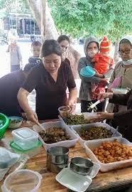 Bếp ăn từ thiện 13 năm đỏ lửa phục vụ bệnh nhân | Xã hội