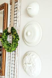 to hang plates on a wall without wires