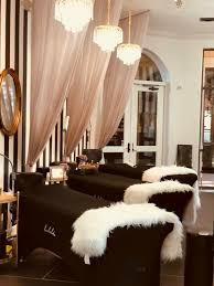 curns could be a good idea for privacy salons lounges