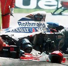 Vor 40 jahren raste jochen rindt in monza in die leitplanken. Sennas Unfall Tod Das Schwarzeste Wochenende Der Formel 1 Geschichte Bilder Fotos Welt