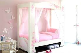 19 Fabulous Canopy Bed Designs For Your Little Princess Tyana Canopy ...