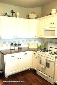 painting kitchen cabinets to look antique white cabinet paint ed painting kitchen cabinets to look antique white cabinet paint ed