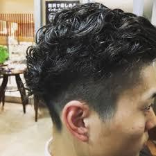 ショートヘアスタイル大人ワイルドパーマ