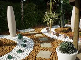 Small Picture 13 Delightful Garden Decorations With Pebbles Arte jardinera