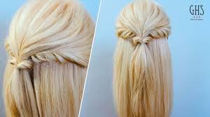巻かないで簡単ストレートヘアにオススメのヘアアレンジ 10選 Dews