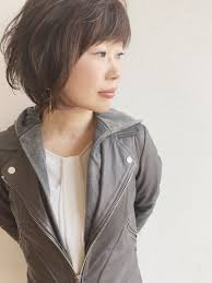 くせ毛でショートから伸ばし始めてセミロングになるまで髪を伸ばしたい