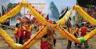 Tari payung adalah tarian tradisional yang berasal dari daerah minangkabau, sumatera barat. Liburan Imlek Tsi Ii Prigen Hadirkan Barongsai Dan Liong Naga Situs Resmi Pemerintah Kabupaten Pasuruan