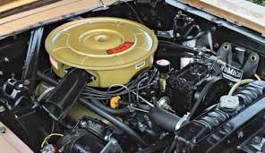 techtips ford small block general data and specifications here s the mustang only 19641⁄2 289 4v low compression v 8 valvecover oil filler cap and pcv valve when these engines had the timing cover oil filler