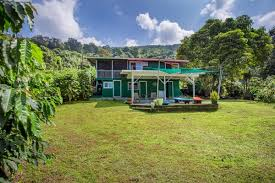 Price comparison for kona coffee plantation hawaii, deals and coupons help you save on your online shopping. Turnkey Coffee Farm With Ocean Views Hawaii Real Estate Market Trends Hawaii Life