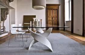 Come scegliere il tavolo da pranzo. tavolo in legno massello e