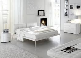 Immagini Di Camere Da Letto Moderne : Camere da letto moderne marche casa di design