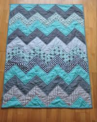 20 Baby Quilts for Beginners   Chevron quilt tutorials, Chevron ... & 20 Baby Quilts for Beginners Adamdwight.com