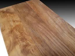 Adapun tiga jenis pilihan ukuran tersebut dibawah ini adalah terbagi  menjadi tiga kategori standar ukuran dan kualitas Yakni Jenis Mini Flooring