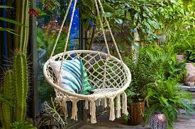 Cozy swing chairs garden ideas Cushions Hang Tassel Chair Loveproperty Stylish But Simple Small Garden Ideas Lovepropertycom