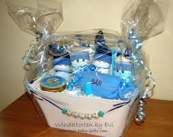 best baby shower gifts personalized boy baby gift basket diy baby shower gifts for girl