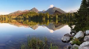 Slovakien erbjuder orörd natur med bad i kristallklara sjöar och varma källor samt bra möjligheter till vandring, cykling och längdskidåkning. Slovakien Berg Lactocitrate Worldofnews Site