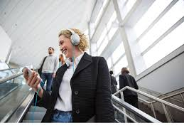 bose noise cancelling headphones ad. product view. bose noise cancelling headphones ad i