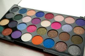 new makeup revolution ultra eyes like angels eyeshadow palette review