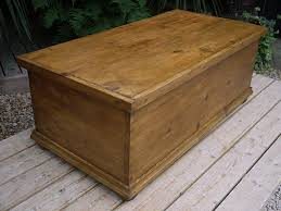 very large old antique pine blanket box chest trunk toy storage coffee table 2084 la68444 loveantiques com