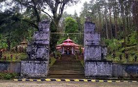 Hasil gambar untuk keraton gunung kawi