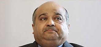 ... Unternehmer Mohamed Al Jaber hat gegenüber der Bank Austria Zahlungsverpflichtungen von neun Millionen Euro, sagte Unternehmenssprecher Martin Halama. - al-jaber-exekutor-haus-scheich-bank-austria-9-mio-euro-294910_i