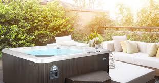 hot tub sunny weather