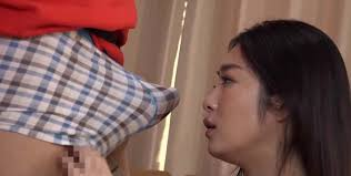 Japanese housewife fucks delivery boy
