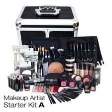 apply makeup on yourself be good at it have your family and friends bee your first clients consider the fact that at first you won t be getting any