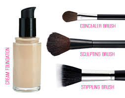 kabuki brush for applying cream foundation