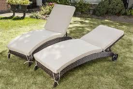 pool chaise lounge chairs — prefab homes